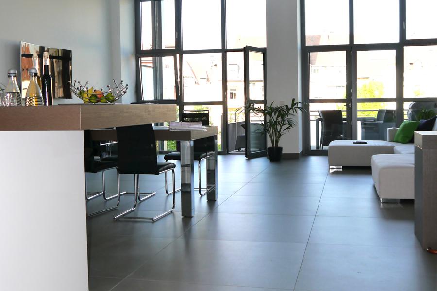 fliesen holzoptik kuche interior design und m bel ideen. Black Bedroom Furniture Sets. Home Design Ideas